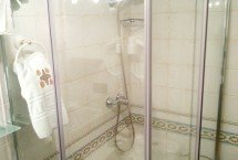ducha de la Estancia de Eros